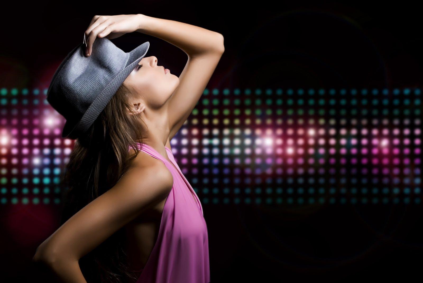 Смотреть бесплатно стриптиз в ночном клубе сити в дзержинске 10 фотография